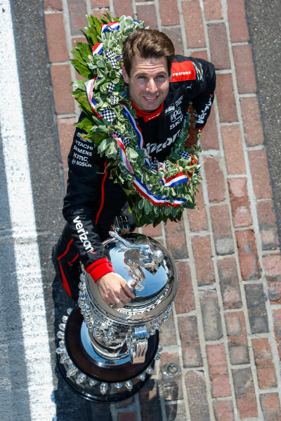 Winner, Will Power, Team Penske Chevrolet, With Borg-Warner Trophy