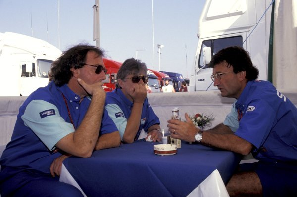 Eddie Jordan (IRE), Jordan Grand Prix Team Owner, right, chats to Ian Phillips (GBR), Jordan Grand Prix Commercial Director and John Walton (GBR).