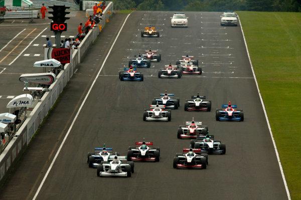 2003 Formula Nippon ChampionshipSugo, Japan. 27th July 2003.Start of the race.World Copyriht: Yasushi Ishihara/LAT Photographicref: Digital Image Only