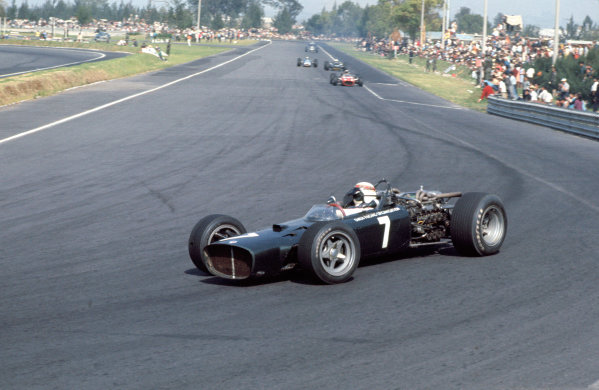 1967 Mexican Grand Prix.Mexico City, Mexico. 20-22 October 1967.Jackie Stewart (BRM P114).Ref-67 MEX 14.World Copyright - LAT Photographic