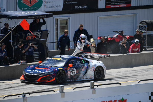 Pirelli World Challenge Victoria Day SpeedFest Weekend Canadian Tire Motorsport Park, Mosport, ON CAN Saturday 20 May 2017 Peter Kox/ Mark Wilkins pit stop World Copyright: Richard Dole/LAT Images ref: Digital Image RD_CTMP_PWC17091