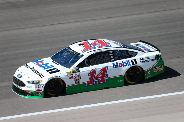 Monster Energy NASCAR Cup Series Go Bowling 400 Kansas Speedway, Kansas City, KS USA Friday 12 May 2017 Clint Bowyer, Stewart-Haas Racing, Mobil 1 Annual Protection Ford Fusion World Copyright: Barry Cantrell LAT Images ref: Digital Image 17KAN1bc1089