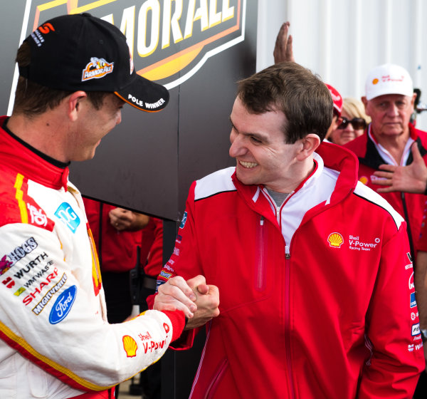 2017 Supercars Championship Round 5.  Winton SuperSprint, Winton Raceway, Victoria, Australia. Friday May 19th to Sunday May 21st 2017. Scott McLaughlin driver of the #17 Shell V-Power Racing Team Ford Falcon FGX, Ryan Story managing director at Shell V-Power Racing Team. World Copyright: Daniel Kalisz/LAT Images Ref: Digital Image 200517_VASCR5_DKIMG_5217.JPG