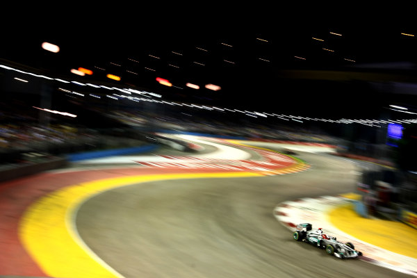 Marina Bay Circuit, Singapore.24th September 2011.Michael Schumacher, Mercedes GP W02. Action. World Copyright: Andy Hone/LAT Photographicref: Digital Image CSP28407