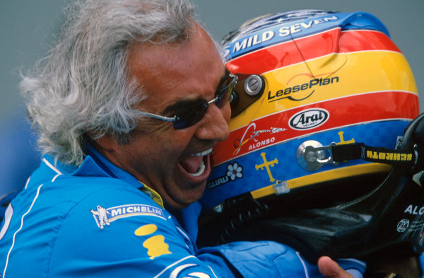 2005 European Grand Prix Nurburgring, Germany. 27th - 29th May. Fernando Alonso, Renault R25 celebrates his victory with Flavio Briatore, Renault. World Copyright: LAT Photographic ref: 35mm Image: 05Monaco05