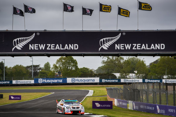 2017 Supercars Championship Round 14.  Auckland SuperSprint, Pukekohe Park Raceway, New Zealand. Friday 3rd November to Sunday 5th November 2017. Tim Slade, Brad Jones Racing Holden.  World Copyright: Daniel Kalisz/LAT Images  Ref: Digital Image 031117_VASCR13_DKIMG_0197.jpg