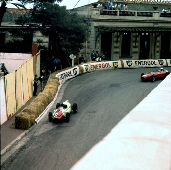 1960 Monaco Grand Prix.Monte Carlo, Monaco.26-29 May 1960.Tony Brooks (Cooper T51 Climax) and Phil Hill (Ferrari Dino 246). They finished in 4th and 3rd positions respectively.Ref-3/0180.World Copyright - LAT Photographic