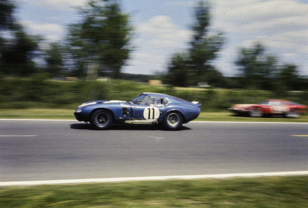 Jack Sears / Richard Thompson, AC Cars Ltd, Shelby Cobra Daytona, 8th position.