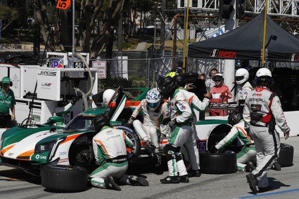 #50 Juncos Racing Cadillac DPi, DPi: Will Owen, Kyle Kaiser, pit stop