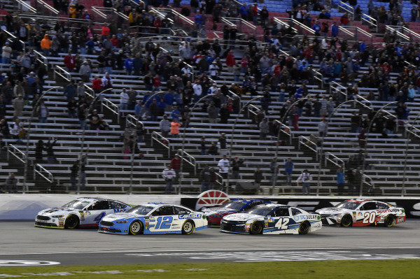 #12: Ryan Blaney, Team Penske, Ford Fusion Accella/Carlisle and #4: Kevin Harvick, Stewart-Haas Racing, Ford Fusion Mobil 1