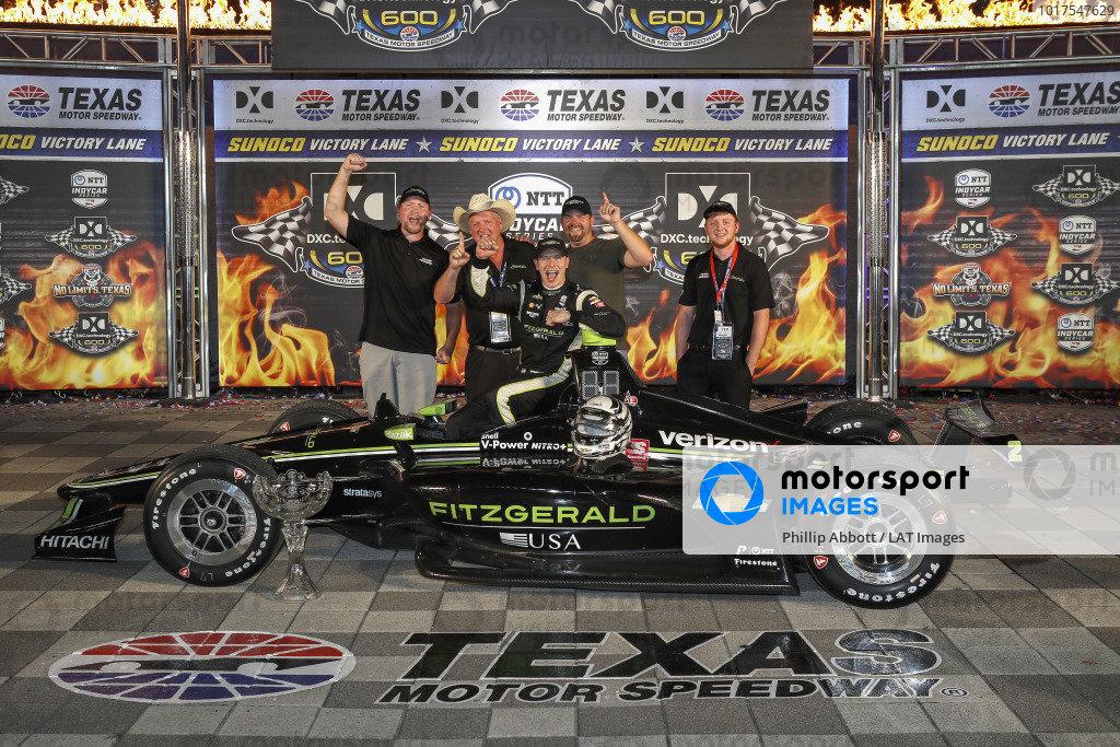 Josef Newgarden, Team Penske Chevrolet celebrates with  Fitzgerald guests in victory lane
