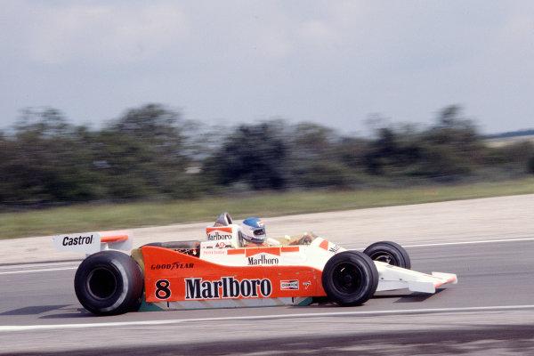 1979 French Grand Prix.Dijon-Prenois, France.29/6-1/7 1979.Patrick Tambay (McLaren M28 Ford) 10th position.Ref-79 FRA 38.World Copyright - LAT Photographic