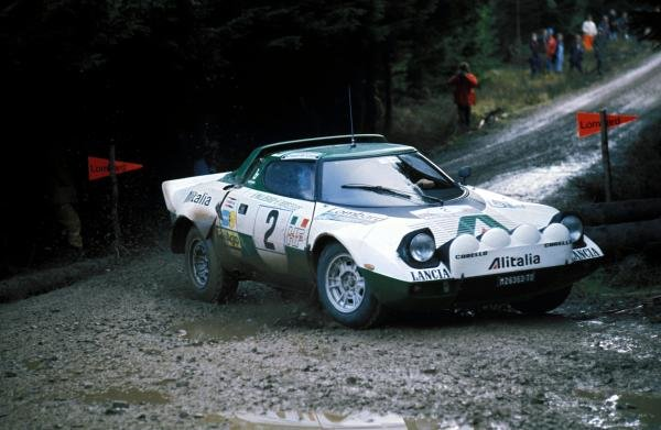 Bjorn Waldegaard (SWE) Lancia Stratos. Lombard RAC Rally, Great Britain, 22-26 November 1975.