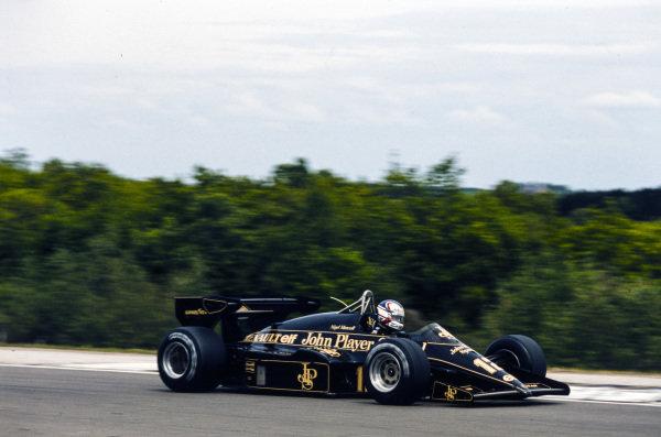 Nigel Mansell, Lotus 95T Renault.