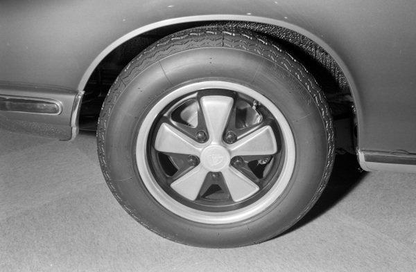 Fuchs forged alloy wheel on a Porsche 911.