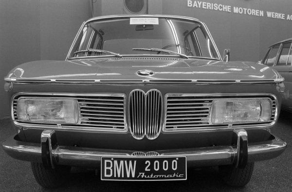 BMW 2000 saloon