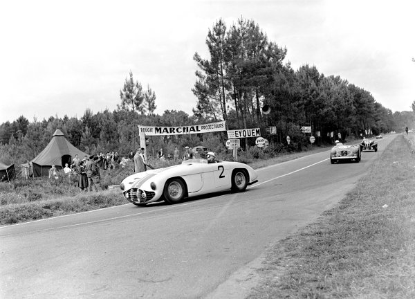 1953 Le Mans 24 hours. Le Mans, France. 13-14 June 1953. Walters and Fitch- Cunningham C5-R World Copyright -LAT Photographic ref: C35976