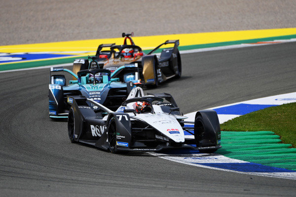 Norman Nato (FRA), Venturi Racing, Silver Arrow 02, leads Tom Blomqvist (GBR), NIO 333, NIO 333 001, and Jean-Eric Vergne (FRA), DS Techeetah, DS E-Tense FE21