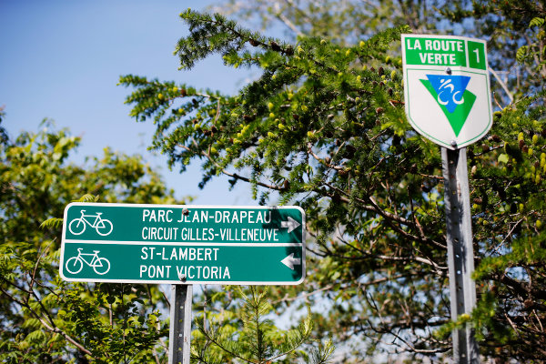 Circuit Gilles Villeneuve, Montreal, Canada. Thursday 4 June 2015. Signs to the circuit. World Copyright: Steven Tee/LAT Photographic. ref: Digital Image _X0W3819