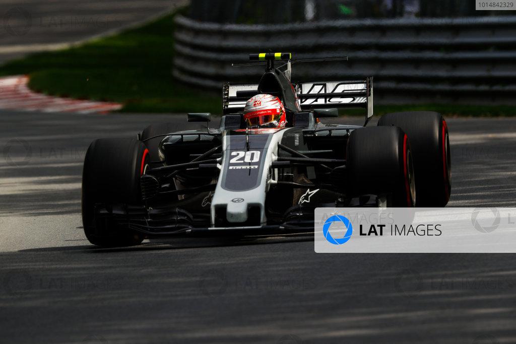 Circuit Gilles Villeneuve, Montreal, Canada. Friday 09 June 2017. Kevin Magnussen, Haas VF-17 Ferrari. World Copyright: Steven Tee/LAT Images ref: Digital Image _O3I9086