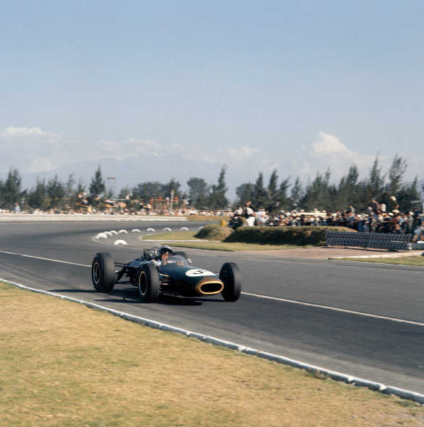 Mexico City, Mexico. 23-25 October 1964. Jack Brabham (Brabham BT11 Climax). Ref: 1532. World Copyright - LAT Photographic