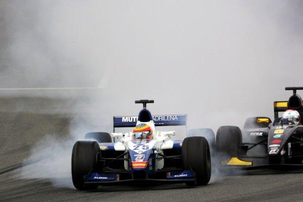 (L to R): Felix Porteiro (ESP) Campos Racing and Fairuz Fauzy (MAL) Super Nova.GP2 Series, Rd 4, Race 1, Barcelona, Spain, 13 May 2006. DIGITAL IMAGE