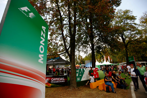 Autodromo Nazionale di Monza, Italy. Friday 01 September 2017. The atmosphere in the F1 Fanzone. World Copyright: Andy Hone/LAT Images  ref: Digital Image _ONZ1831