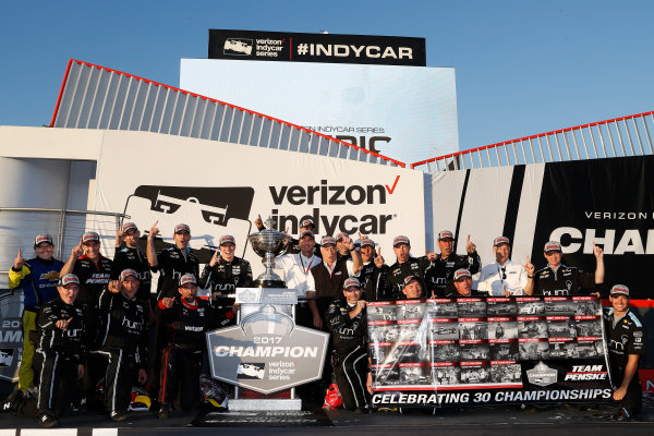 Verizon IndyCar Series GoPro Grand Prix of Sonoma Sonoma Raceway, Sonoma, CA USA Sunday 17 September 2017 Josef Newgarden, Team Penske Chevrolet and team, podium World Copyright: Michael L. Levitt LAT Images