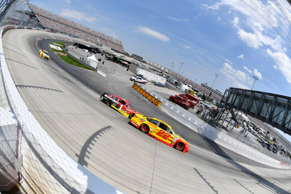 Monster Energy NASCAR Cup Series AAA 400 Drive for Autism Dover International Speedway, Dover, DE USA Sunday 4 June 2017 Joey Logano, Team Penske, Shell Pennzoil Ford Fusion, Jamie McMurray, Chip Ganassi Racing, McDonald's Chevrolet SS World Copyright: Logan Whitton LAT Images ref: Digital Image 17DOV1LW3389