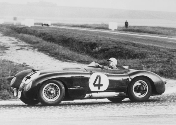 Reims, France. 4th - 5th July 1953.Stirling Moss/Peter Whitehead (Jaguar C-Type), 1st position, ACTION. World Copyright: LAT Photographic.Ref: Autocar Used Pic 10th July Pg 40.