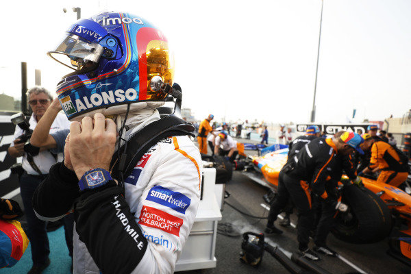 Fernando Alonso, McLaren MCL33, on the grid