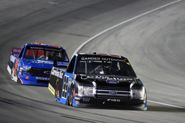 #99: Ben Rhodes, ThorSport Racing, Ford F-150 and #52: Stewart Friesen, Halmar Friesen Racing, Chevrolet Silverado Halmar International