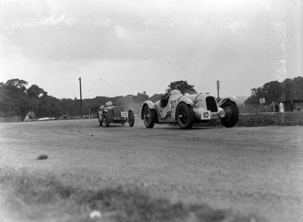 Gianfranco Comotti, Automobiles Talbot, Talbot Lago T150C, leads Norman Black, Singer 9 Le Mans Replica.