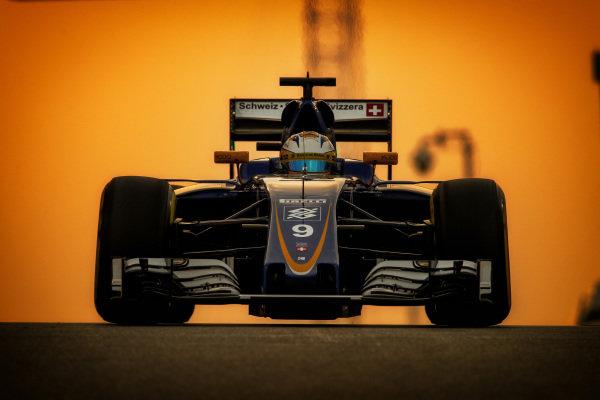 Marcus Ericsson (SWE) Sauber C35 at Formula One World Championship, Rd21, Abu Dhabi Grand Prix, Practice, Yas Marina Circuit, Abu Dhabi, UAE, Friday 25 November 2016. BEST IMAGE