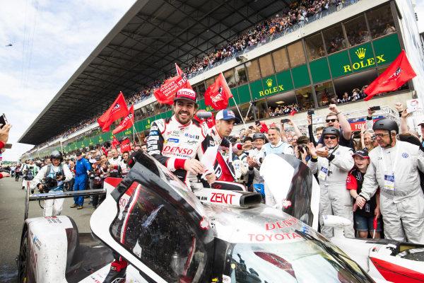 #8 Toyota Gazoo Racing Toyota TS050: Sébastien Buemi, Kazuki Nakajima, Fernando Alonso, celebrate winning Le Mans 2018