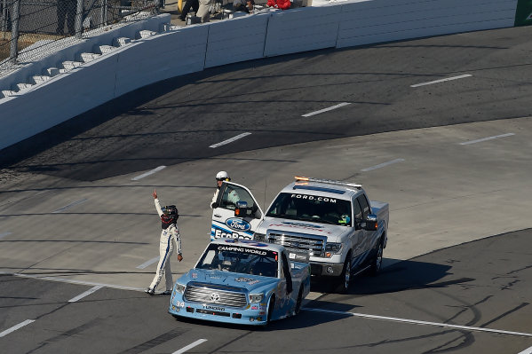 24-25 October, 2014, Martinsville, Virginia USA Darrell Wallace Jr salutes the crowd after his win ?2014, Scott R LePage  LAT Photo USA