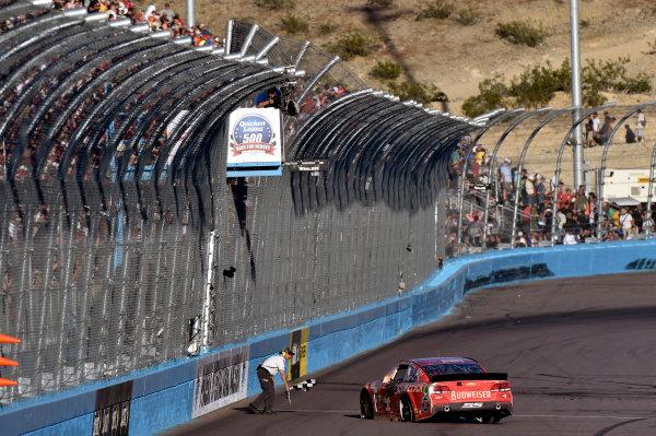 7-9 November, 2014, Avondale, Arizona USA Kevin Harvick celebrates his win with a burnout ? 2014, Nigel Kinrade LAT Photo USA