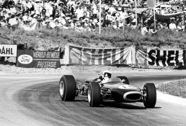 1967 South African Grand Prix Kyalami, South Africa. 2 January 1967 Sam Tingle, LDS Mk3-Climax, retired, action World Copyright: LAT PhotographicRef: 1459 #3