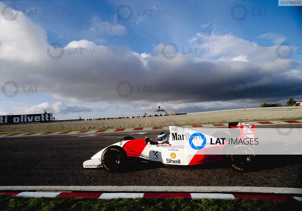 1993 Portuguese Grand Prix. Estoril, Portugal. 24-26 September 1993. Mika Hakkinen (McLaren MP4/8 Ford Ford). Ref-93 POR 25. World Copyright - LAT Photographic