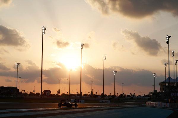 Yas Marina Circuit, Abu Dhabi, United Arab Emirates. Friday 27 November 2015. Fernando Alonso, McLaren MP4-30 Honda. World Copyright: Charles Coates/LAT Photographic ref: Digital Image _99O6779