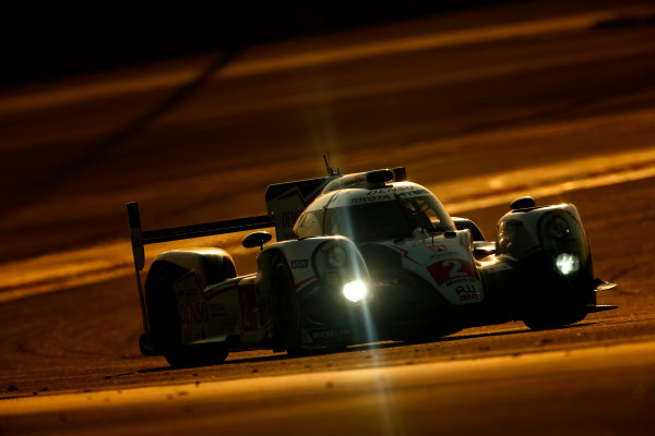 2015 FIA World Endurance Championship Bahrain 6-Hours Bahrain International Circuit, Bahrain Saturday 21 November 2015. Alexander Wurz, St?phane Sarrazin, Mike Conway (#2 LMP1 Toyota Racing Toyota TS 040 Hybrid). World Copyright: Alastair Staley/LAT Photographic ref: Digital Image _79P0977