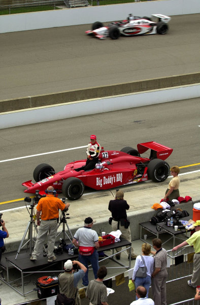 Jimmy Kite poses for the traditional post-qualifying photos as practice goes on the track behind him.84th. Indianapolis 500, Indy Racing Northern Light Series, Indianapolis Motor Speedway, Speedway Indiana,USA 28 May,2000 -F Peirce Williams 2000 LAT PHOTOGRAPHIC