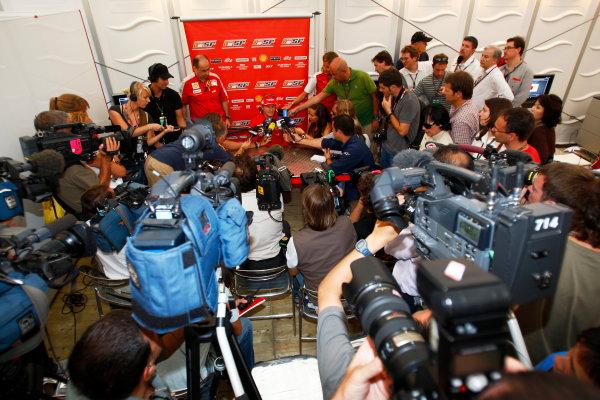 Suzuka Circuit, Suzuka, Japan.1st October 2009.Kimi Raikkonen, Ferrari F60 talks to the media.World Copyright: Lorenzo Bellanca/LAT Photographicref: Digital Image _O3Q7571