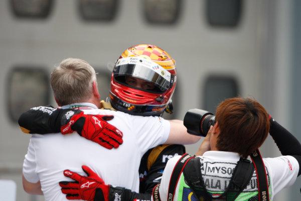Sepang, Kuala Lumpur, Malaysia. 25th March 2012. Sunday Race.James Calado (GBR, Lotus GP) celebrates victory. World Copyright: Alastair Staley/GP2 Series Media Service.Ref: Digital Image _O9T2639.jpg