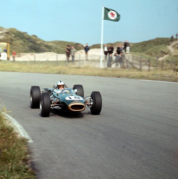 Zandvoort, Holland.22-24 July 1966.Denny Hulme (Brabham BT20 Repco).Ref-3/2300.World Copyright - LAT Photographic