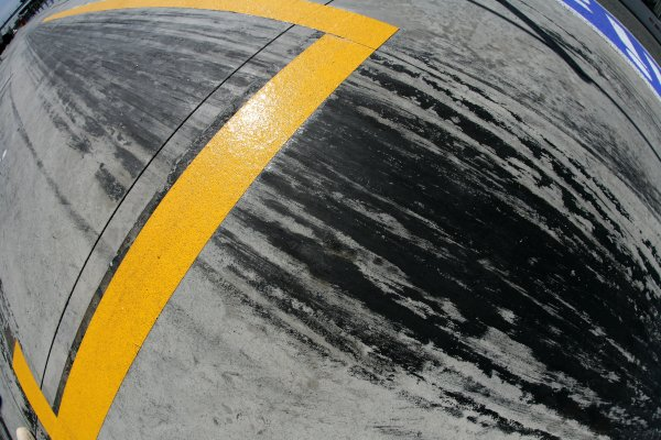 2007 Italian Grand Prix - ThursdayAutodromo di Monza, Monza, Italy.6th September 2007.Pit lane with tyre marks. Detail.World Copyright: Steven Tee/LAT Photographicref: Digital Image YY2Z8148
