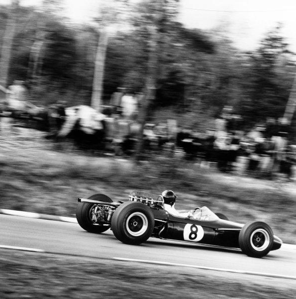 1965 United States Grand Prix.Watkins Glen, United States. 3 October 1965.Dan Gurney, Brabham BT11-Climax, 2nd position, action.World Copyright: LAT PhotographicRef: 31449