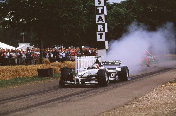 2000 Festival of Speed.Goodwood, England, Great Britain. 23-25 June 2000.Jenson Button (Williams FW22-BMW) causes tyre smoke.World - LAT Photographic