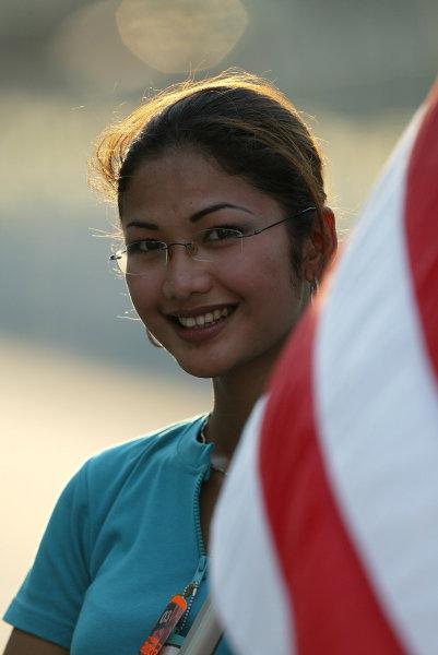 2003 Malaysian Grand Prix. Sepang, Kuala Lumpur, Malaysia.21-23 March 2003.Malaysian grid girl.World Copyright - Steve Etherington/LAT Photographic ref: Digital Image Only