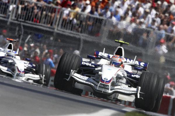 Robert Kubica, BMW Sauber F1.08 leads Nick Heidfeld, BMW Sauber F1.08.